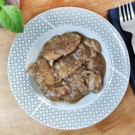 Contramuslo de pollo con salsa de setas
