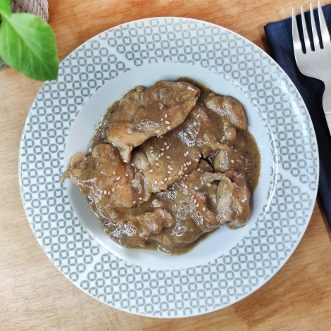 Contramuslo de pollo con verdura provenzal